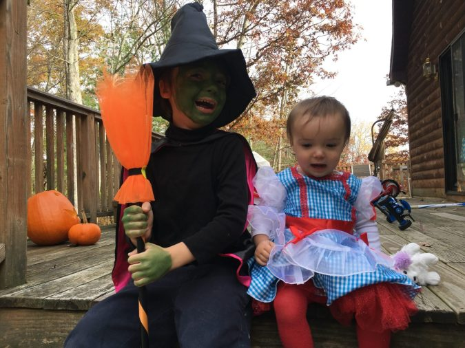 Easy cheap Halloween costumes for moms from MomCave