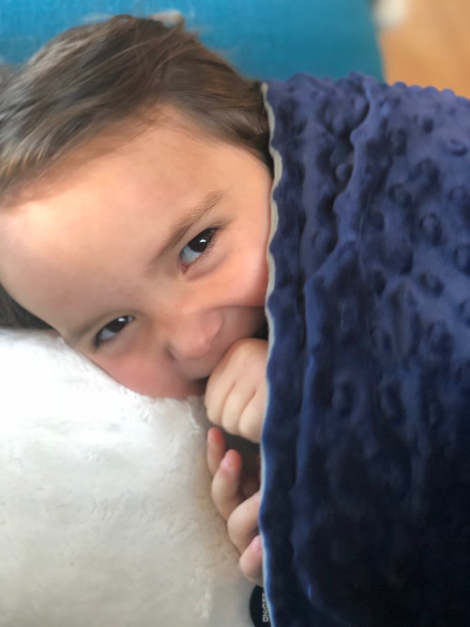 weighted blanket to help kid sleep