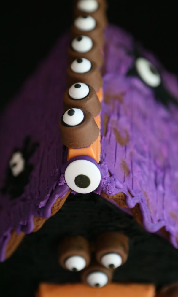 Haunted Halloween Candy Gingerbread House