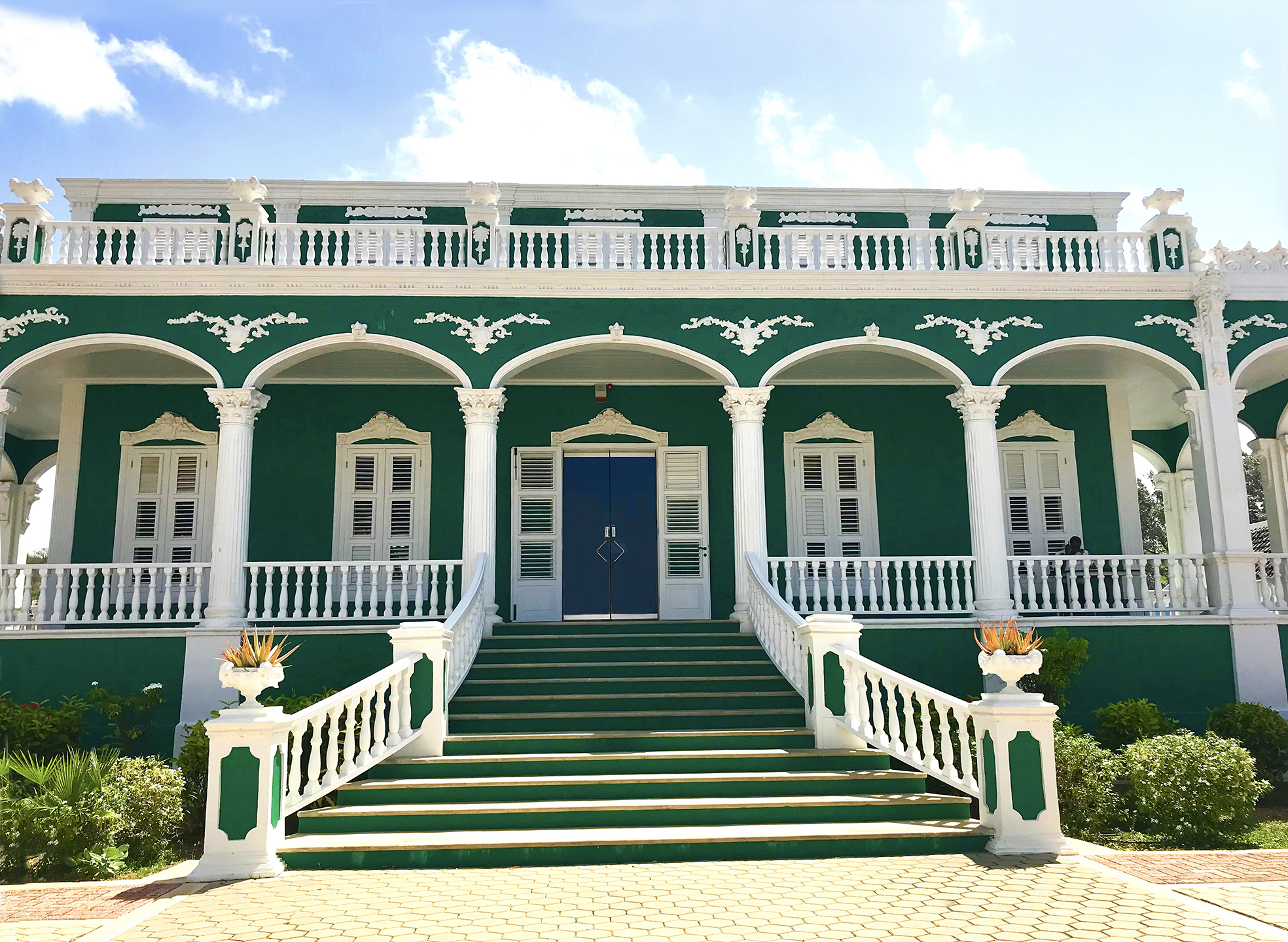 Curacao Wedding Cake House Copy Moment Magazine The Next 5 000