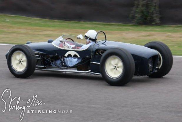 Stirling Moss al volante del Lotus 18