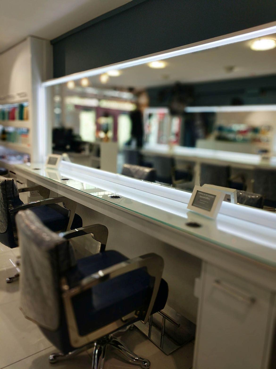 Momento Hair Salon Ennis