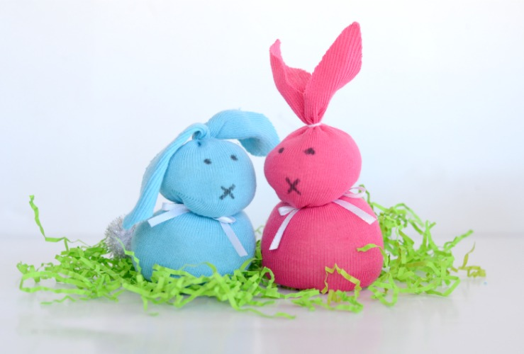 Adorable Sock Bunny Craft perfect for Easter!