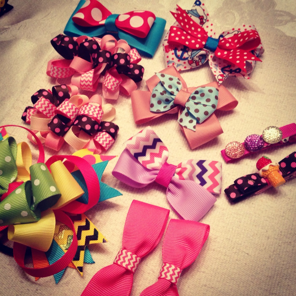 I was so happy to have all the bows ready for Gelli's hair!