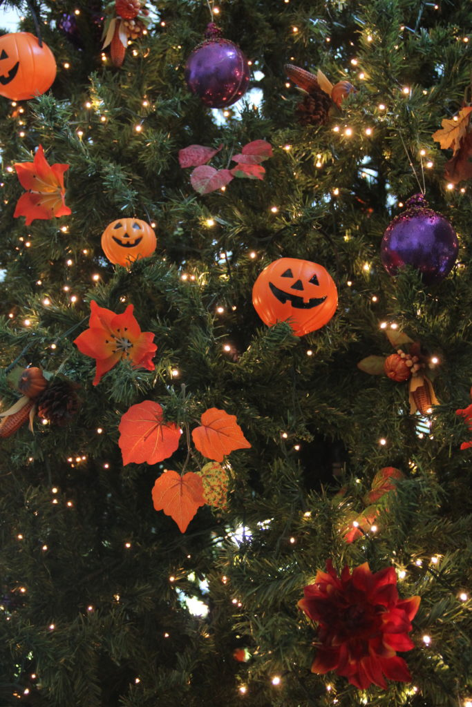 "My friends Karen and Kaye have ""Halloween Trees!"" Is that the most fun thing ever?"