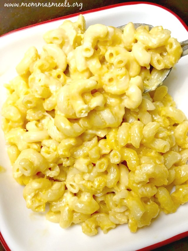 Crowd Pleasing Creamy Mac N Cheese