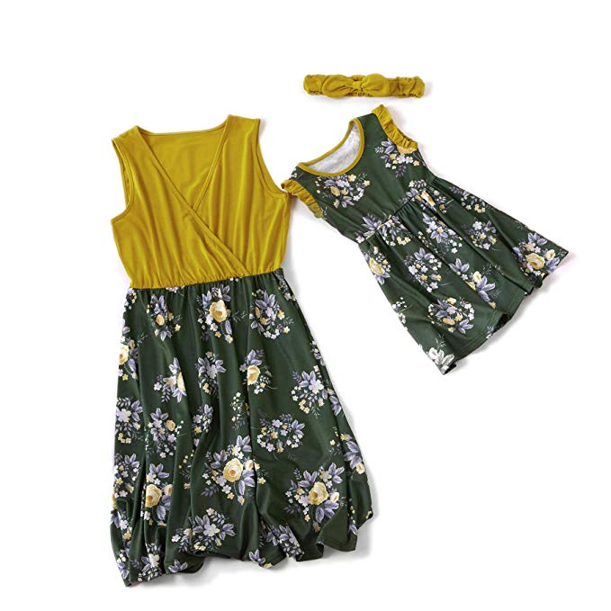 Green knee length mommy and me dresses http://www.mommininapinch.com/mommy-me-dresses/