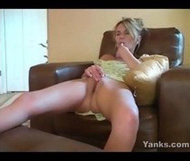 Milf Sydney Masturbating Well