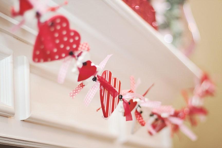 V party 81Happy Valentines Day Mantel