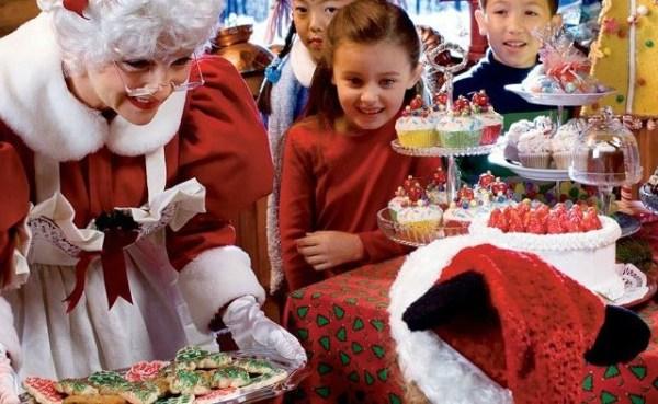Disneyland Holidays- Mrs. Claus at Jingle Jangle Jamboree