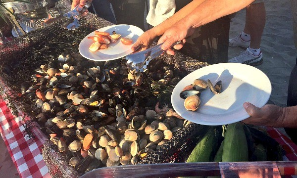 Bahia California Dreaming Beach party of the Decades, Giant self serve clam bake
