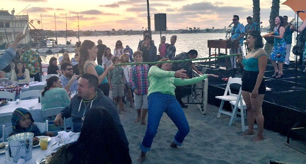 Bahia California Dreaming Beach party of the Decades, Limbo on the beach