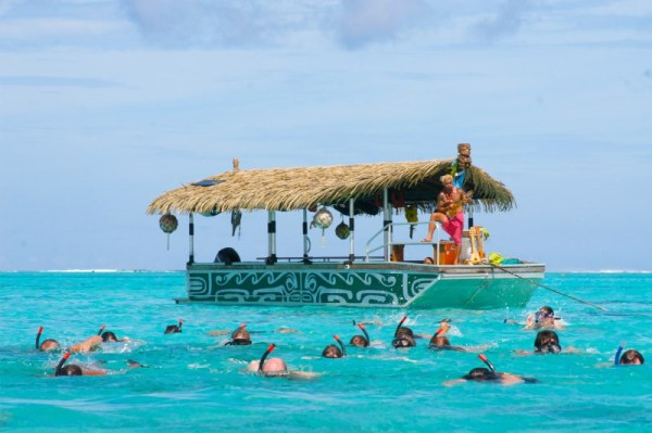 Koka Lagoon Cruises take vacationers on a snorkeling tour in Muri's Lagoon