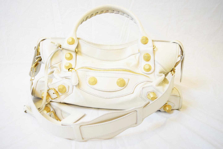 02b387374894 Resale Designer Handbags Canada