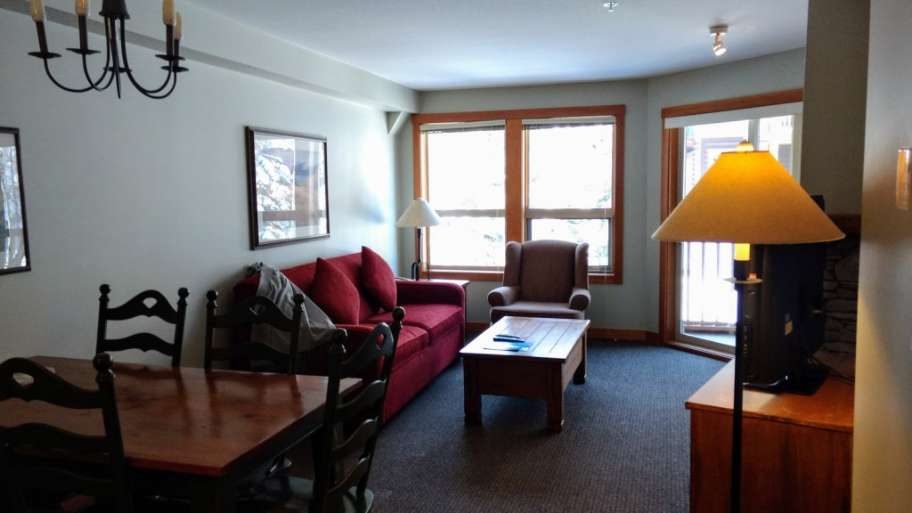 What size room does my family need at Panorama Springs Lodge?