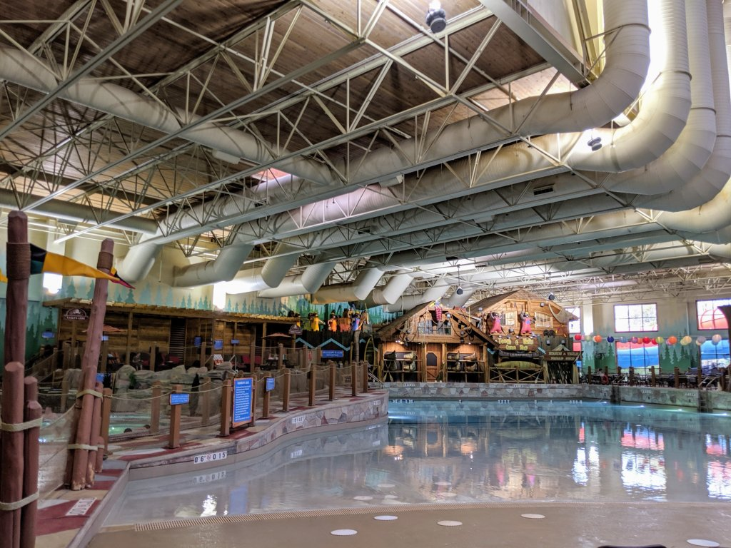 how much is great wolf lodge niagara