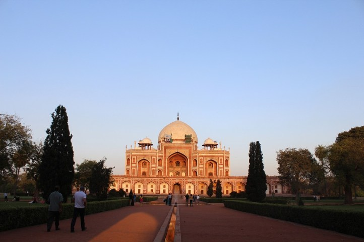 Humayun's Tomb, a UNESCO Heritage Site, protected by ASI , is a must visit place in Delhi for tourists and locals. The beautiful Persian Indian architecture, wide terrace, lush green well maintained gardens are perfect for to spend some lovely time. #humayunstomb #sodelhi #delhigram #traveldelhi #delhi #placestovisit #mustvisit