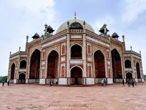 Majestic Humayun's Tomb : Places to see in Delhi