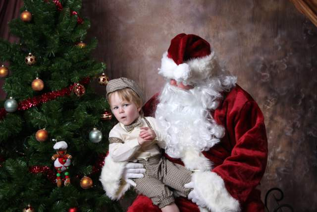 Резултат со слика за Forcing Kids to Sit on Santa's Lap Is Cruel, and It Needs to Stop