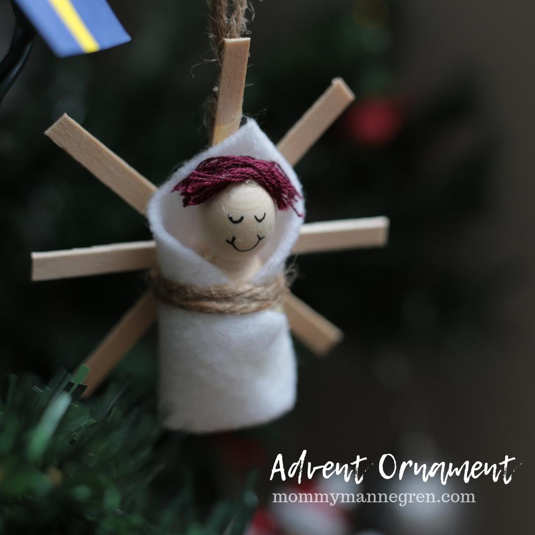 Advent Ornament: Baby Jesus is Born