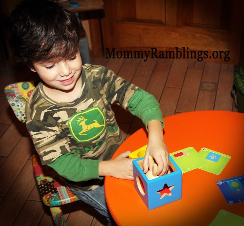 Smart Games Peek-a-Boo Bunny #SmartGames #HolidayGiftGuide