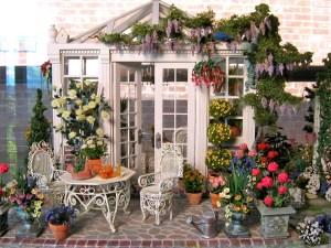 dollhouse miniatures