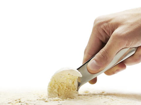 ice cream scoop scooping