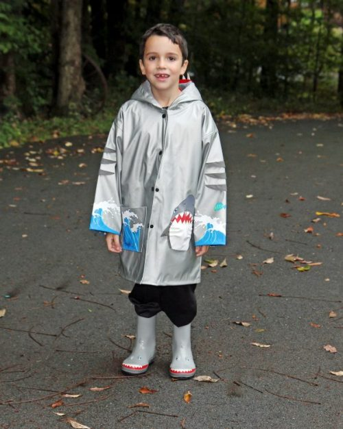 kidorable-shark-raincoat-2