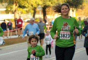 Group Runs vs Solo Runs | Mommy Runs It