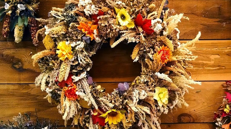 DIY Autumn Wreaths From Yard Waste