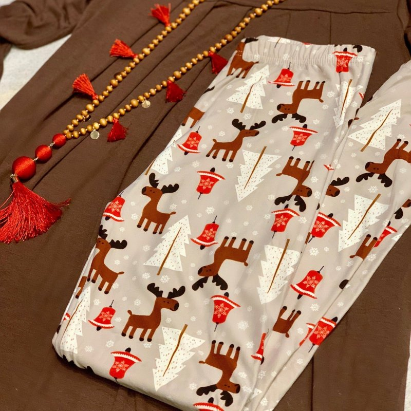Blitzen Deer Christmas Reindeer Leggings #HolidayLeggings #DreamLeggings #Buyalltheleggings