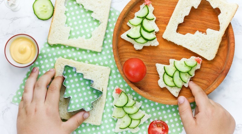 Christmas Tree Cucumber Sandwich