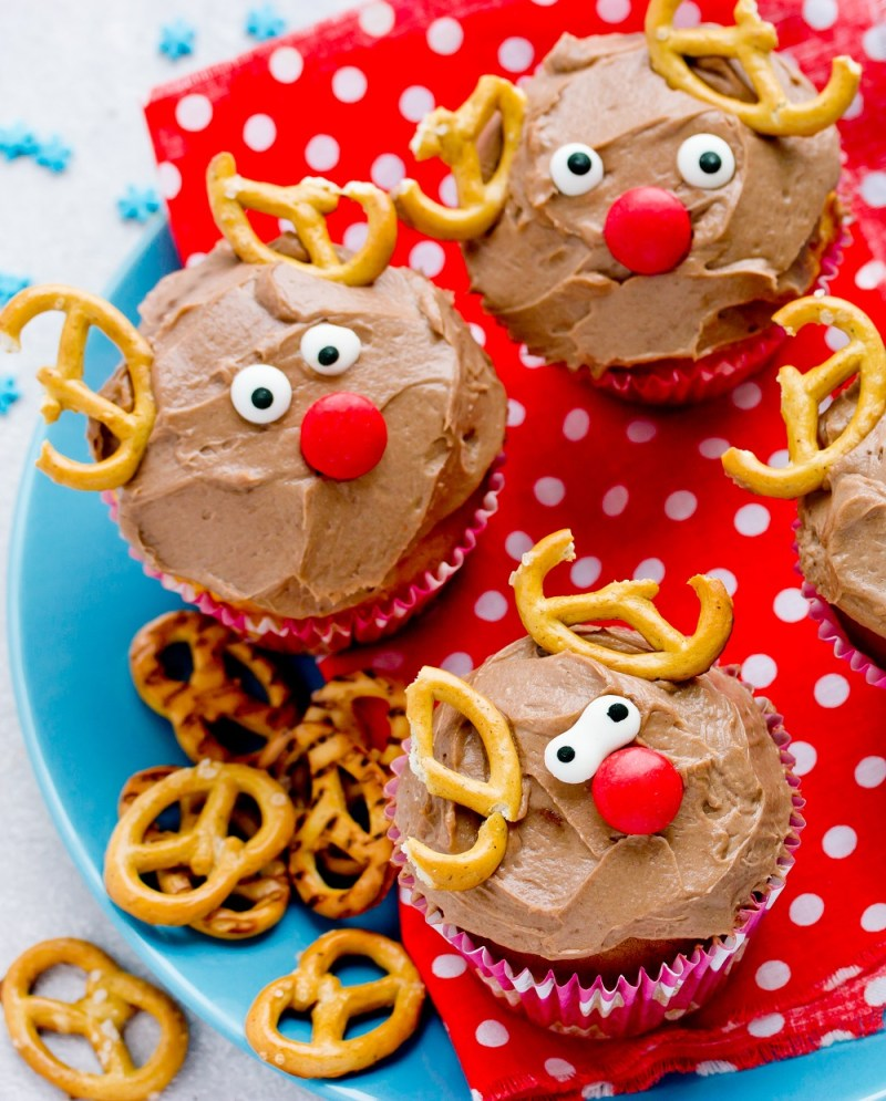 Easy Reindeer Decorated Cupcakes