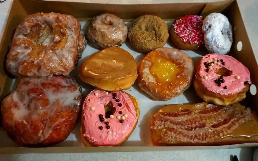 Joe's donuts in Sandy Oregon