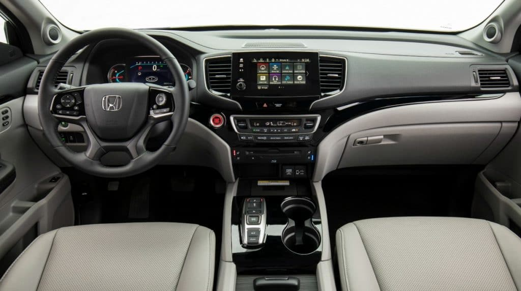 2019 Honda Pilot Elite front seat