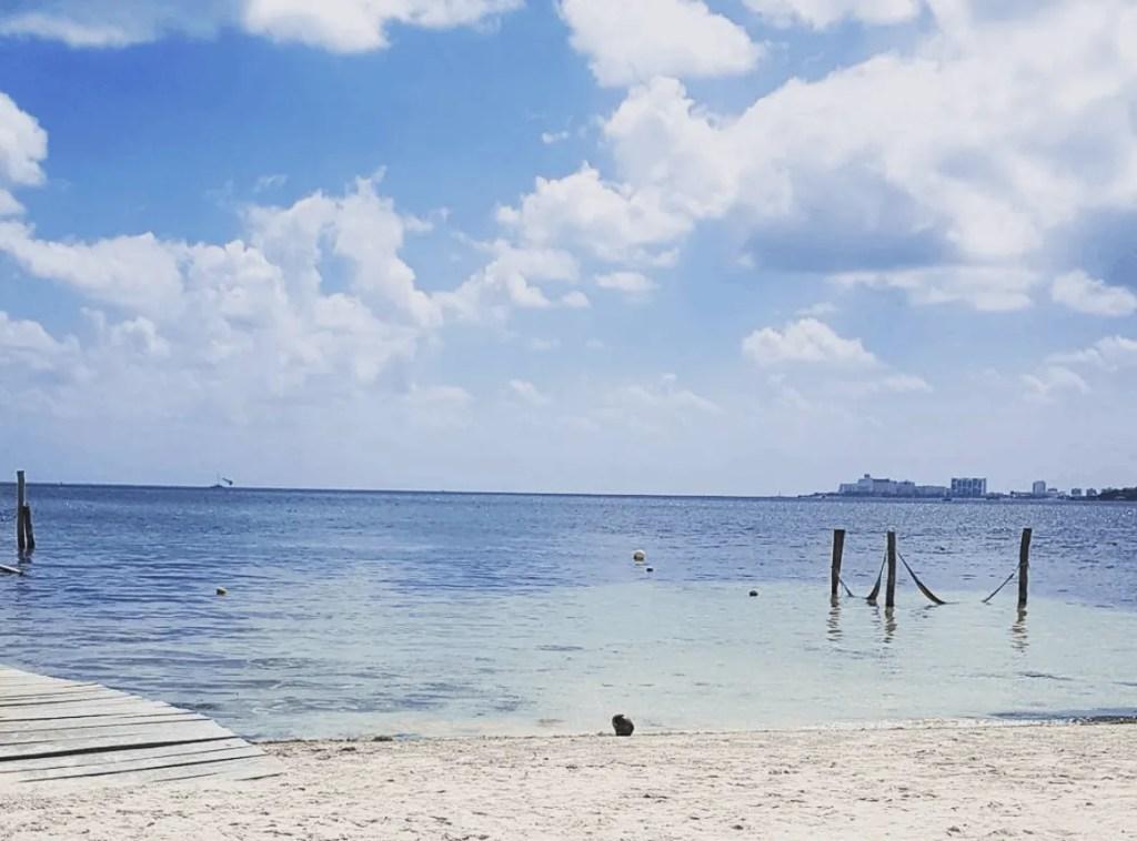 Playa las Perlas in Cancun, Mexico