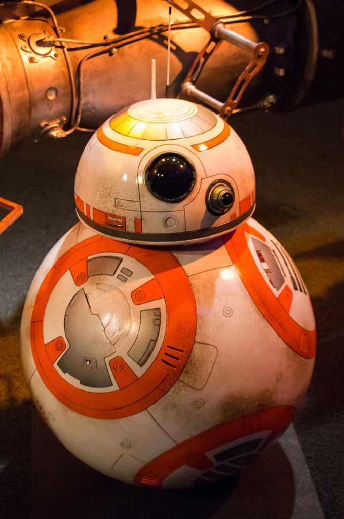 Star Wars Launch Bay - Where to find Star Wars Characters at Disneyland