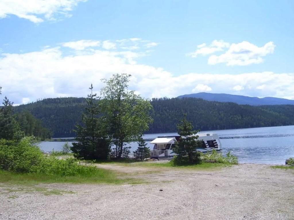 House Boating on Lake Shuswap