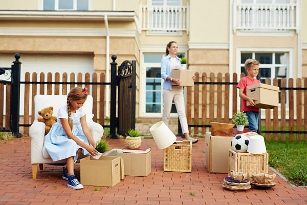 make moving easier on your kids