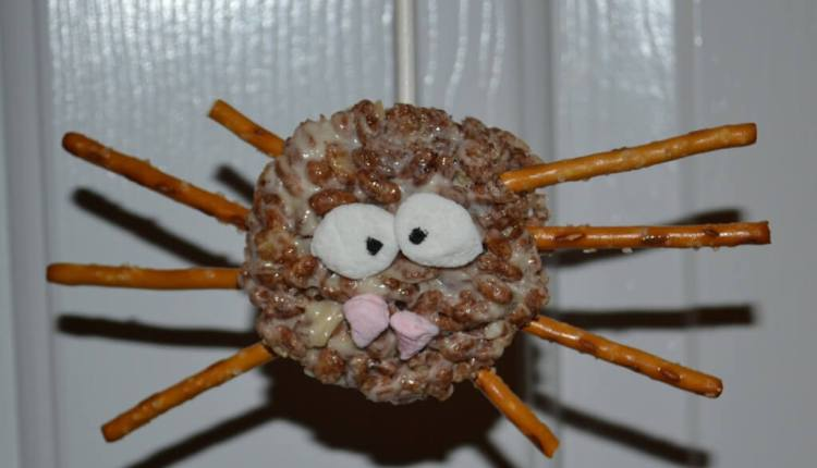 spider rice krispie treats for halloween or kids parties