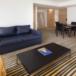 The Living Room With Sky Bar %e4%b8%80%e4%bc%91 Classy Wyndham Bogota Art In Colombia From 59 Usd Deals Reviews 1 35