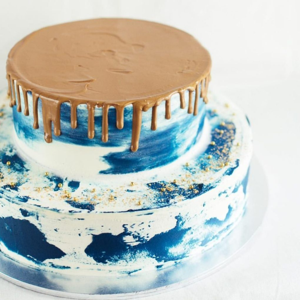 stunning delicious kids birthday cakes navy blue marble with gold drizzle naked cake momooze.com online magazine for moms