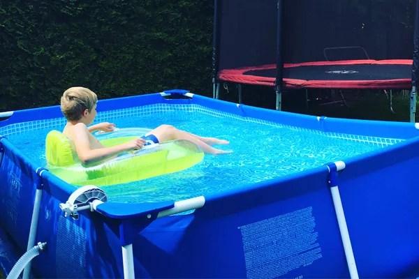 Ein kleiner Swimmingpool fr den Garten DAS solltet ihr VORHER wissen  Moms Blog der