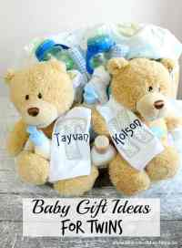 Baby Gift Ideas for Twins - Moms & Munchkins