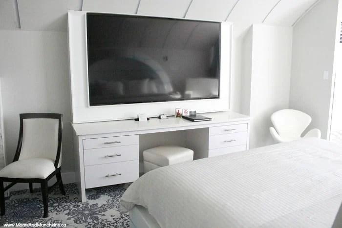 Igloo Room Fantasyland Hotel  Moms  Munchkins