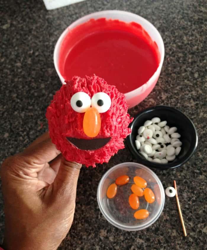 Elmo Flower Cake Pops Tutorial  Moms  Munchkins