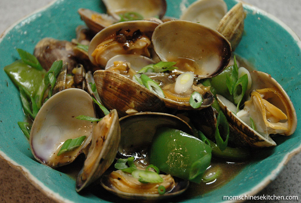 Clams and Bell Peppers in Black Bean Sauce