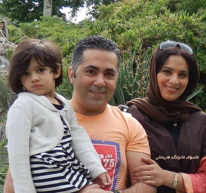 روشنک عجمیان و همسر و فرزندش