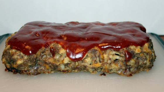 Meatloaf Recipe With Barbecue Sauce - www.momwithcookies.com #meatloaf #meatloafrecipe #easydinnermeal #easymeatloaf #bestmeatloaf #meatloafwithbarbecuesauce #meatloafbrownsugar #meatloafBBQ #meatloafrecipes #meatloafrecipeseasy #meatloafrecipesbest