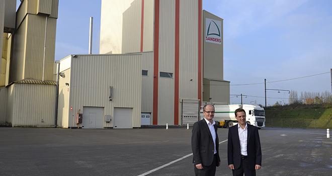 Bernard Mahé, Directeur Général de Sanders et Alexandre Raguet, directeur de Sanders Nord présente la nouvelle usine de Landrecies. Photo: A. Cotens/Pixel Image